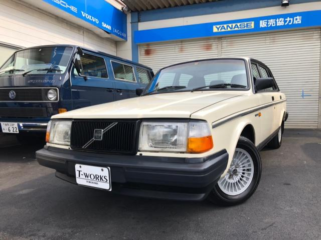 VOLVO 240GL LIMITED